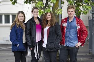 Det är dags för studenten för Ellen Nilsson, Lilly Torkelsdotter, Felicia Edvardsson och Niklas Lenke i den första årskullen på vasaskolans spetsutbildning. De är alla nöjda med sitt gymnasieval.