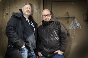 Johan Kant och Anders Gustafson är författarduon bakom Singödeckarna.