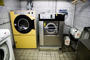 Vårdarna tvingades begära en halvtimme extra tvättid för att hinna torka, vika och lägga in tvätten på plats.