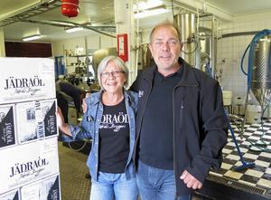 Eva Nordlund är ursprungligen socionom och maken Lars Nordlund är tandläkare. För fyra år sedan startade de ett bryggeri i Jädraås.