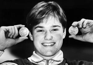 Februari 1992: Magnus är hemma i Skutskär igen efter att ha vunnit junior-VM i Härnösand. Några månader tidigare hade han även vunnit pojk-VM i ryska Syktyvkar.