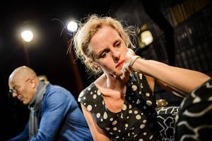 Åke Arvidsson och Malin Alm som Gilles och Lisa i