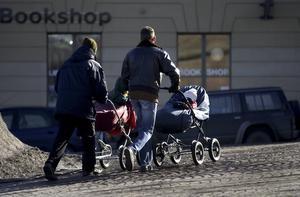Det finns ytterligare steg som och regeländringar kan tas för att möjliggöra för fler barnlösa, inte minst bland hbtq-personer, att kunna bilda familj med barn, skriver Fredrik Saweståhl, förbundsordförande för Öppna Moderater.
