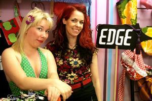 eldsjälar. Teresa Fyhr och Emelie Klintecorn står bakom Edge. En shop för lokal konst och design.