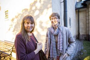 Hillevi Engstrand, till vänster i bild och Eva Engström gillar att kollekten går till humanitär hjälp.