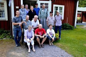 Samling. Finnerödja år 2011 är en ort där det sjuder av verksamhet. Jordgubbslanden är visserligen borta, men småföretagen och föreningslivet står i stället i blom.
