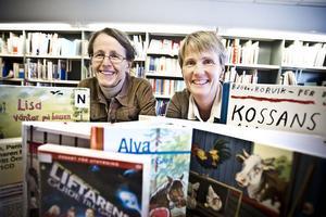 Boken håller fortfarande. Kommuninvånarna i Ljusdal minskar inte sitt lånande på biblioteken nämnvärt, konstaterar bibliotekarien Lena Strömberg och bibliotekschefen Lotta Trosell Svender.