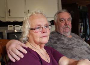 Anki Pettersson och sambon Hasse Persson har hankat sig fram på hennes lilla änkepension och hans pension i många år. Trots att Anki är multisjuk vägras hon sjukersättning.
