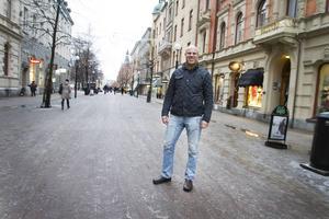 Fredrik Olsson kämpar för de som har det tufft i samhället och för det har han blivit Årets Drake och är nu nominerad till Årets Västernorrlänning.