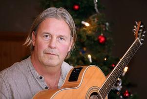 Rune Westlund kom med idén om stödkonserter i kyrkorna, det gav en behållning på 40 000 kronor till föreningen Mö Finns.