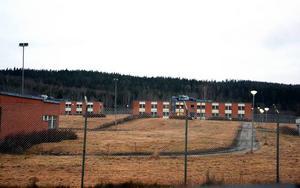 Inom några veckor kommer omkring 200 asylsökande flyktingar att flytta in på den tidigare kriminalvårdsanstalten i Viskan