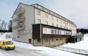 Tänndalens Turisthotell (sedemera Hotell Tänninge) i Tänndalen i västra Härjedalen invigdes 1964. Paret Tore och Gunborg Bejmert, som låg bakom bygget, drev sedan tidigare resebyrån Club Continental i Stockholm