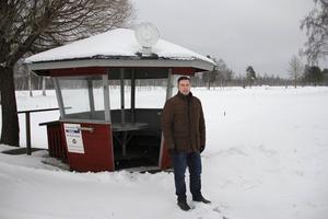 Christer Dahlberg, ordförande i Ljusdals GK, tror att platserna snabbt går åt i natt.
