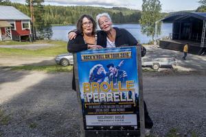 I kväll, fredag,  brukar det loss på Gussjönoret. Åsa Söderlund (till vänster) och Ann-Sofie Hammarström hoppas på rekordpublik. I bakgrund syns den tillfälligt uppbygde scenen där