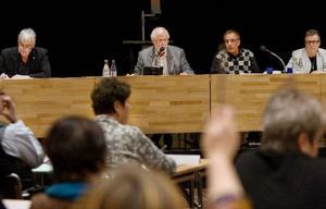Kjell Svantesson (S) sitter kvar som ordförande i kommunfullmäktige.