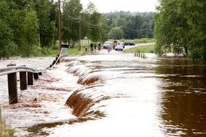 Efter översvämningarna fick Skanska bygga en ny vägkropp på en sträcka om 150 – 200 meter. Trafikverket har ännu inte bestämt om man ska kräva Vb-kraft på ersättning.