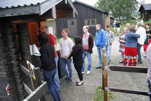 Kön ringar lång – Älvstagården har publik i hela södra Norrland.