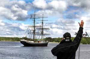 Skandalbriggen Gerda seglar i väg, Furuviksbarnens saga är all.