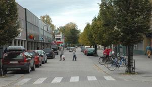 Centralgatan i Tierps centrum. Här ska lådbilsracet utgå ifrån under torgfesten.