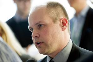 Justitieminister Morgan Johansson (S)   Intern fredsdiplomati för att få det uppkäftiga Skånedistriktet att sitta still i båten.