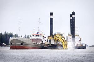 Muddringen av Gävle hamn har stoppats tidigare, även då på grund av oklarheter gällande finansieringen.