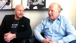 VIK-BOSSARNA. Anders Eklund, till höger, kommenterar ryktena kring VIK-tränaren Joakim Fagervall. Han räknar med att sportchefen Niklas Johansson, till vänster, blir kvar kommande säsong.