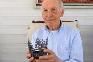 Under 50 år gick Anders Moberg och bar på idén att göra en brudkrona som kunde säljas.