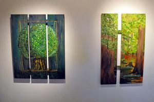 Två av tavlorna som ingår i utställningen