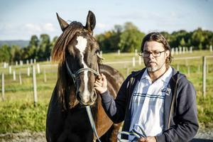 Minelli med tränaren Anders Hafstad. Bilden tagen inför Kriteriefinalen på Bjerke i början av september.