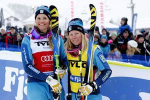 Anna Holmlund och Sandra Näslund vid en tävling i världscupen.