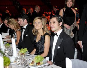 Så här kan det se ut på Idrottsgalan i Globen. Den här bilden på prins Carl Philip och Riksidrottsförbundets ordförande Karin Mattsson-Weijber togs på Svenska Idrottsgalan 2010. I år deltar också prins Daniel.
