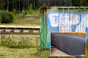 De stora gummimattorna är ett måste för att skidskyttarna ska kunna träna sin sport. De stulna mattorna är svarta, tillverkade i gummi och mäter 2,5x2,5 meter. Foto: Johan Larsson