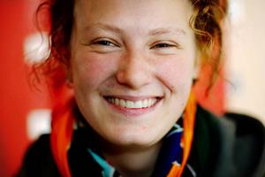Hannah Dolata är ordförande för Dramatiska ungdomsföreningen i Östersund, och hoppas på många deltagare i föreningens improvisations- och rollspelsläger i sommar.  Foto: Henrik Flygare