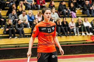 Alva Nybjörk gjorde två nya mål för sitt Sundsvall när laget avgjorde matchen i den tredje perioden.
