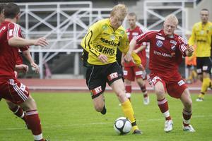 Jesper Karlsson har tränat med både Trelleborg och Gif Sundsvall, men kan också hamna i Örebro.