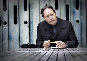 Horace Engdahl, känd svensk kultursnobb, svarar elegant i