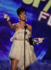 Vem är dating Rihanna