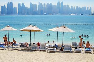 Kortcharter eller långresa till alla emiraten - i vinter satsar chartern på Dubai.