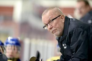 Leif Boork gör sitt tredje VM som förbundskapten för Damkronorna. Blir det hans sista turneringsuppdrag för det svenska damlandslaget?