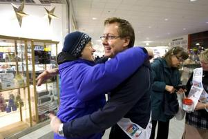 """ja till kram. """"Alldeles utmärkt"""" tyckte Irene Oikarainen om Lars- Åke Wilhelmssons insats."""