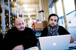 Tommy Stener till vänster och David Lagerblad är trötta på att Mittuniversitetets studentportal inte fungerar som den ska.