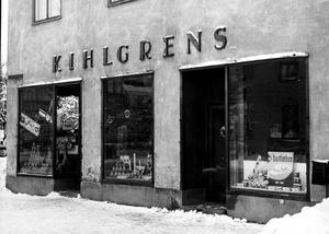 En av många butiker. Kihlgrens Livs låg på Drottninggatan 9. Så här såg butiken ut på 1950-talet.