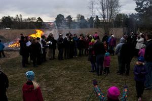 Ljusdals kyrkokör sjöng in våren på hembygdsgården i Ljusdal inför runt 250 åhörare.
