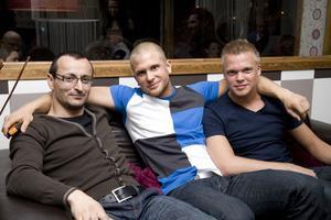 Tabazco Dino, Henke och Linus.