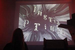 Ingrid Printz har med sitt namn blivit en del av installationen Salong Flyttkartong.