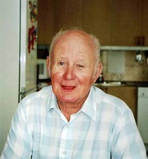 Varvade. Innan Kjell Sjöberg flyttade till Björkegrenska gården bodde han växelvis hos sin hustru och på korttidsboendet Fleminggatan 11.