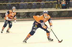 Juho Liukkonen gjorde tre mål mot Vetlanda.  Men det räckte inte. Bollnäs förlorade med 4–6.