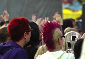 Publik. Både ung och gammal kom till den stora scenen för att se Idol-Markus. Foto:Berndt Norberg