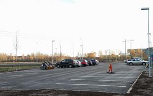En pendlarparkering med 35 platser finns för den som vill ta bussen till Gävle.