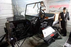Skogs- och flottarmuseum har cirka 2 000 föremål, film och bildspel, och här finns även den första patenterade snösläden i världen från 1924.